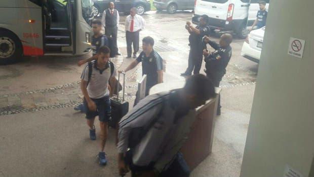 Desvalijaron a la selección Sub 23 en México tras el amistoso de anoche: les sustrajeron ropa  dinero y tablets de las habitaciones
