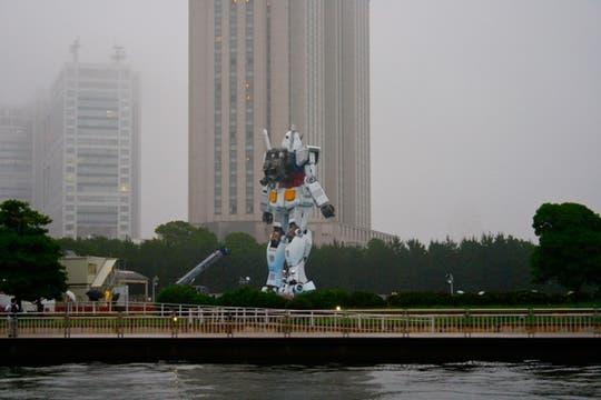 Una estatua de 18 metros de alto se instaló en la capital japonesa para impulsar su candidatura para los Juegos Olímpicos de 2016. Foto: Gentileza scruch / Flickr