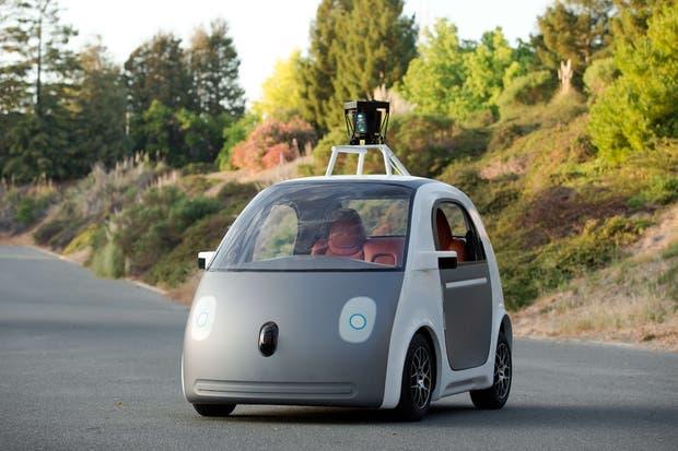 El prototipo Firefly le permitió a Google entender cómo funcionan los diversos sistemas de sensores que luego la subsidiaria Waymo desarrolló para las minivan Pacifica