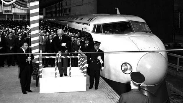 El tren bala original era sumamente ruidoso y esto causaba serios problemas en zonas residenciales