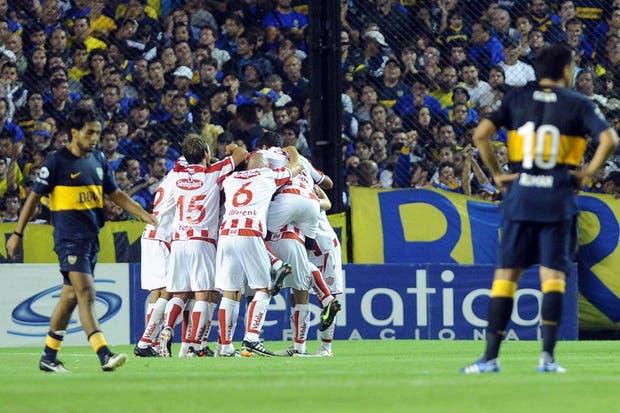En la vuelta de Riquelme, Unión le ganó 3-1 al equipo de Bianchi en la Bombonera.  Foto:Télam