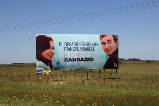"""Randazzo  tiene como lema """"el desafío es seguir transformando"""". Foto: LA NACION / Matías Aimar"""