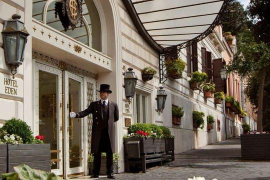 La entrada del hotel Eden, ubicado en el barrio donde transcurre La dolce vita. Foto: Hotel Eden