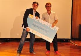 El ganador de ImpacTec, con Enrique Avogadro