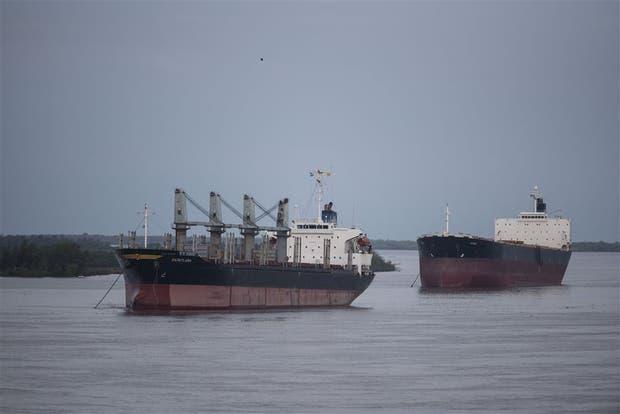 Los barcos no pueden cargar en Rosario