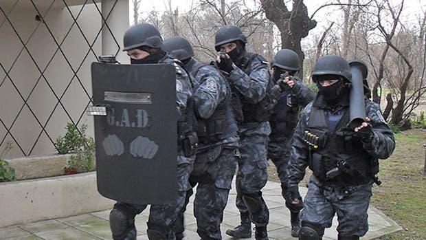 La Policía bonaerense está investigando un posible robo de granadas, armas de fuego y gran cantidad de municiones de la sede del Grupo de Apoyo Departamental (GAD) de La Plata