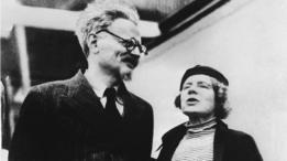 León Trotski junto a su esposa Natalia Sedova en México.