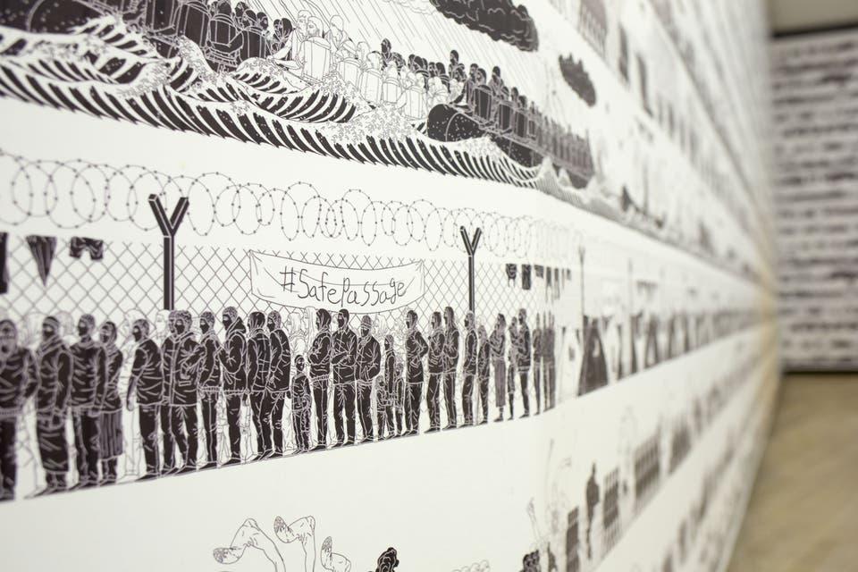 Detalle de las obras que cubren las paredes de las salas de Proa