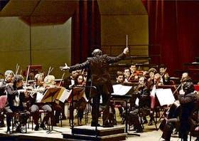 La Sinfónica Nacional, dirigida por Jordi Mora, en una muy buena interpretación
