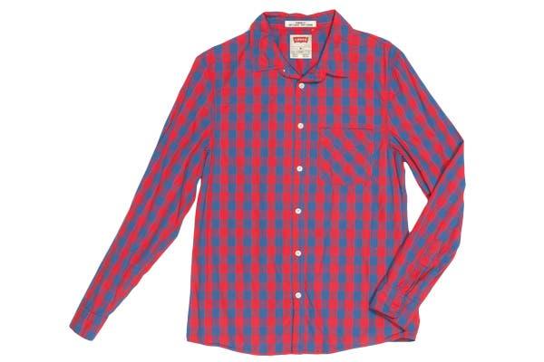 Mirá esta camisa a cuadros para un look casual ¿Qué opinas? (Levi's, $569).