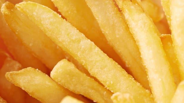 ¿Cuál es el riesgo de comer papas fritas?