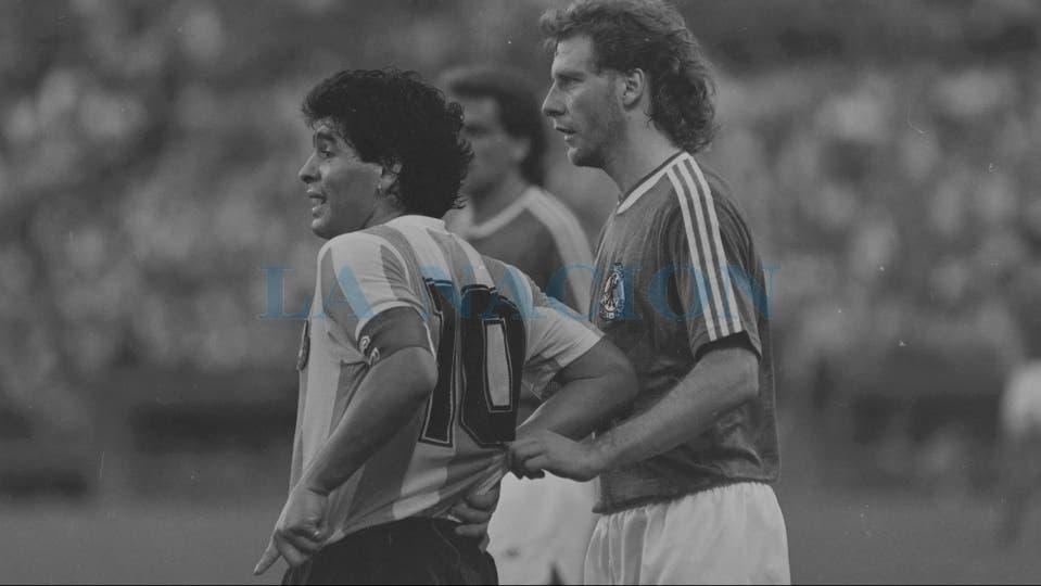 16-12-1987: amistoso en la cancha de Vélez ante Alemania, un año después de la final de México; fue triunfo 1 a 0 con gol de Burruchaga.. Foto: LA NACION