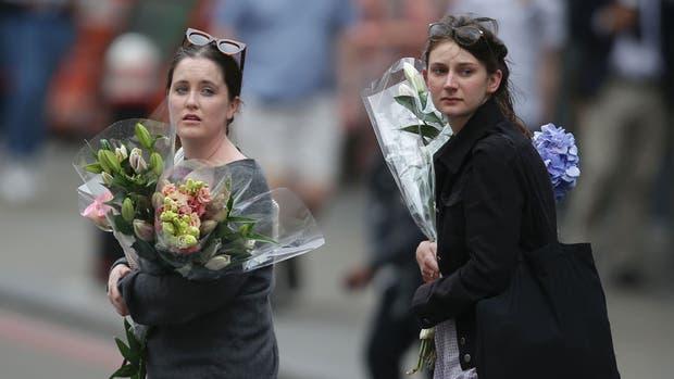 Los londinenses intentan recuperar la tranquilidad tras los atentados