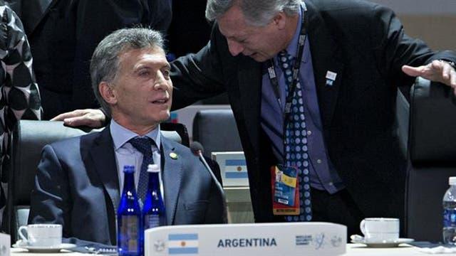 Mauricio Macri y el ministro de Energía Juan José Aranguren