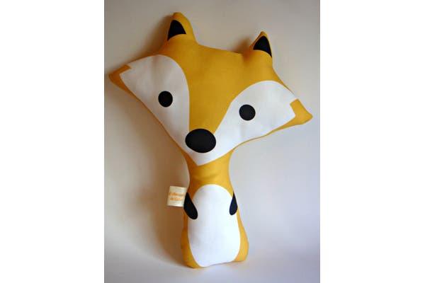 Si te gusta abrazar la almohada esta forma es genial. Desde $65. Foto: Gentileza Almacén de Color