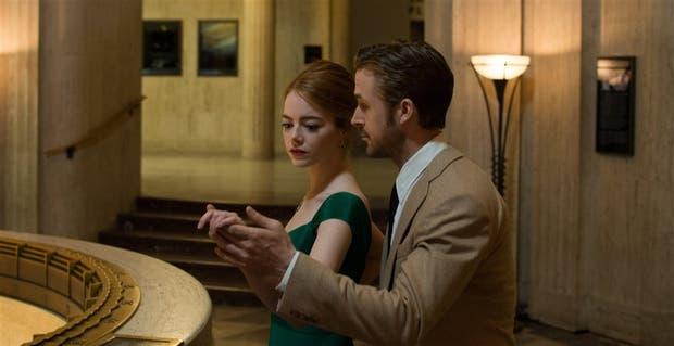Emma Stone y Ryan Gosling se enamoran y celebran el amor en la pantalla