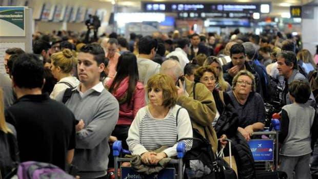 Mañana no habrá vuelos de cabotaje ni internacionales