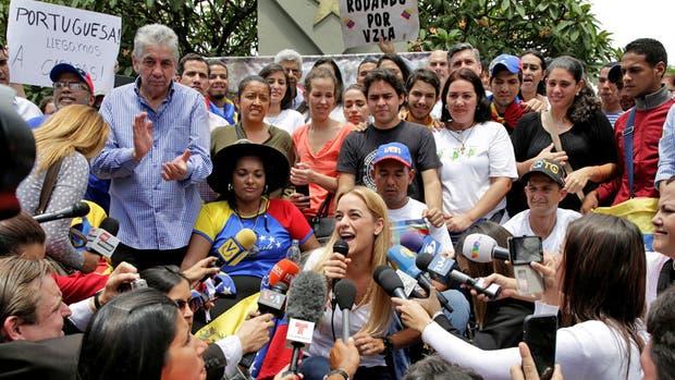 Comienza la Toma de Caracas entre obstáculos revolucionarios