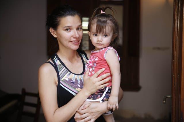 Rebeca Montania (27) intentó inscribir a su hija Amelia en la sala de 2, pero quedó en lista de espera