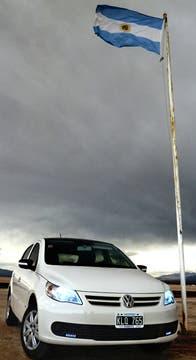 Gol Trend con el cielo que se cae. Foto: Máximo Pen