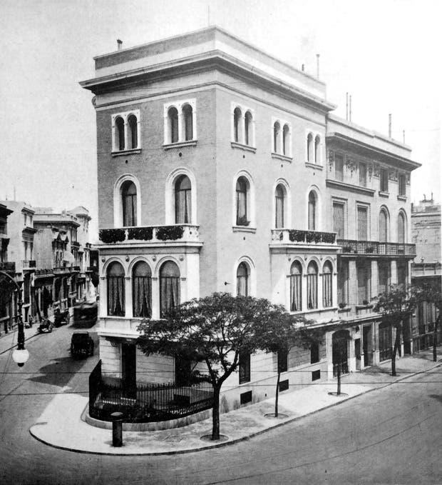 La residencia diseñada por Luis A. Broggi, según una imagen que publicó la Revista de Arquitectura en 1927