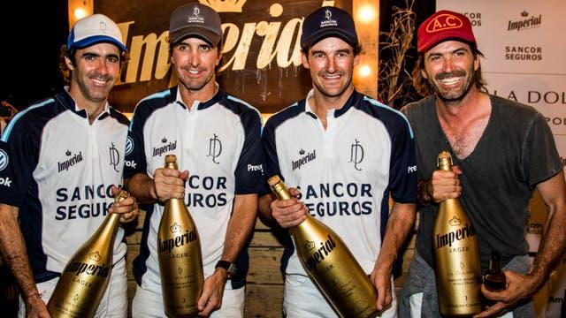 Adolfo Cambiasso, David Stirling, Pablo Mac Donough y Juan Martin Nero festejaron en el Espacio Exclusivo de Cerveza Imperial.