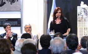 El discurso de anoche de la Presidenta en la Casa Rosada, aplaudido por Abal Medina y De Vido