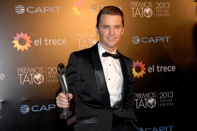 Santiago del Moro, feliz, con su premio a mejor conductor de tevé