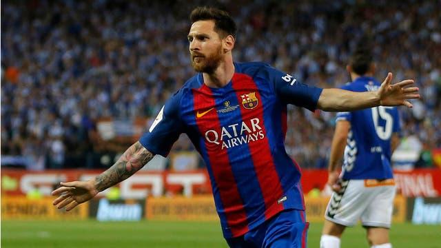 Messi y Suárez se divierten en la pileta en vacaciones
