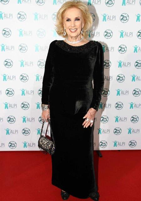 Mirtha Legrand, elegantísima. Total black y joyas de brillantes.. Foto: /Gerardo Viercovich