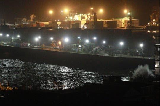 Vista del puerto de Iquique tras la alerta de tsunami, en la zona norte de Chile. Foto: EFE
