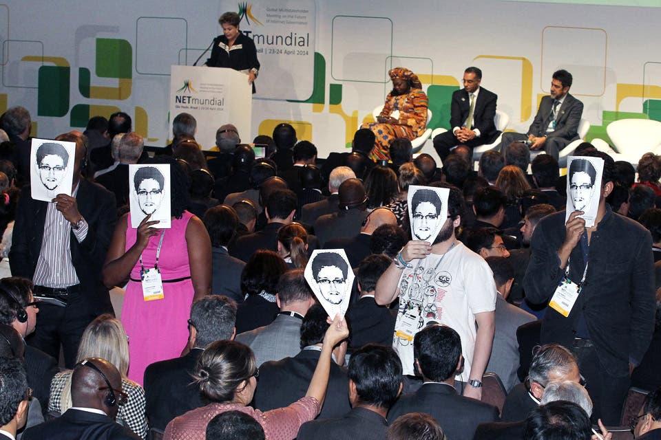 Adelanto de Guerras de internet. Un viaje por el centro de la red para entender cómo afecta tu vida, libro que se publica este mes y en el que Natalia Zuazo cuenta cómo, mientras hacía su investigación, se convirtió en una infiltrada en un encuentro mundial de la RED con Dilma Rousseff como oradora estrella.