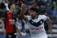 Vélez lo resolvió en el segundo tiempo y derrotó a un golpeado Colón en Liniers