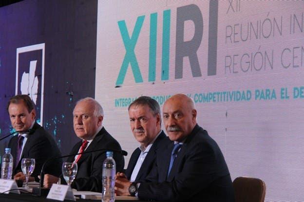 Bordet, Lifschitz, Schiaretti y Juan José Ciacera (CFI). Foto: Región Centro