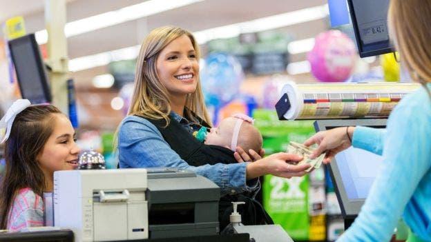 Las mujeres, dicen varios analistas, son más eficientes para efectuar transacciones