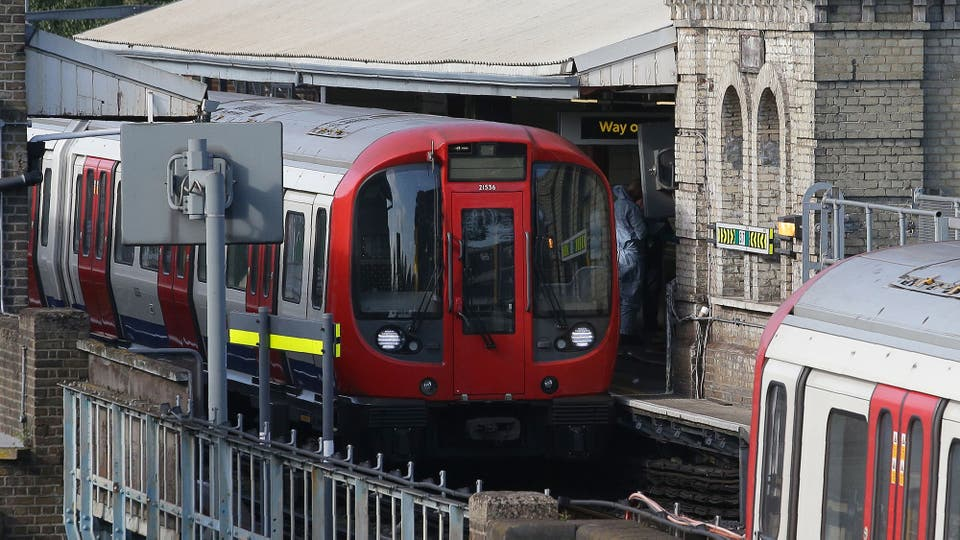 La línea District del subte londinense se encuentra parcialmente interrumpida: no hay servicio de Earls Court a Wimbledon y de Ealing Broadway a Turnham Green. Foto: AFP / Daniel Leal-Olivas