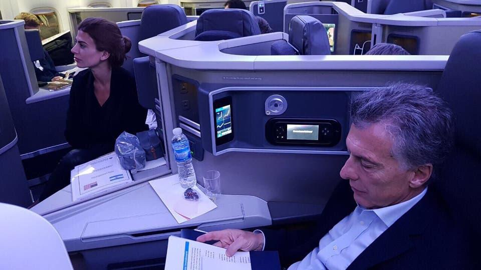 Un informe reservado la Casa Militar, a cargo de la seguridad presidencial, sugiere que Macri no debería viajar en vuelos comerciales