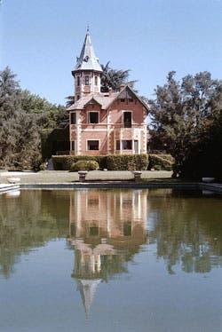 La casona fue construida en 1894 y parece salida de un cuento