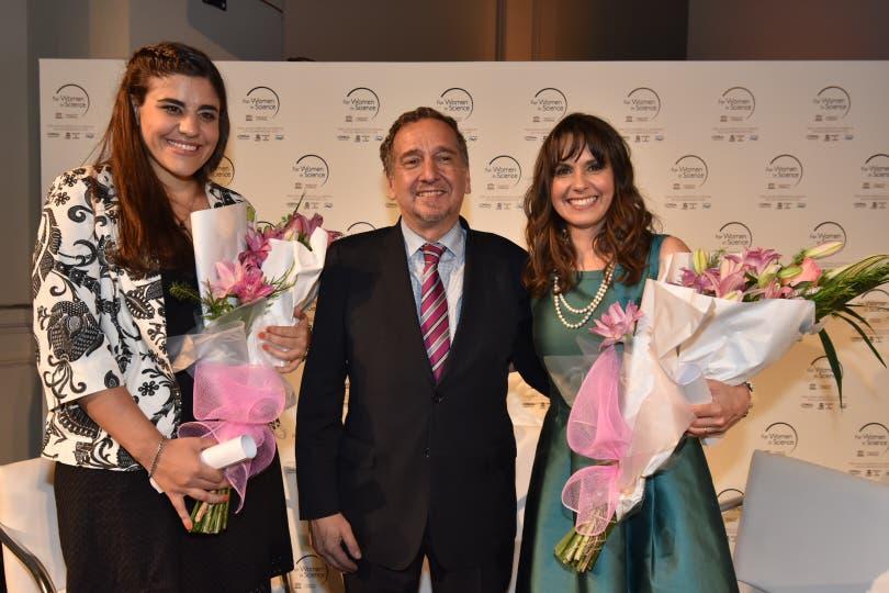 María Emilia Villanueva y Fabiana Gennari, reciben el premio L''Oréal-Unesco con el Ministro Lino Barañao