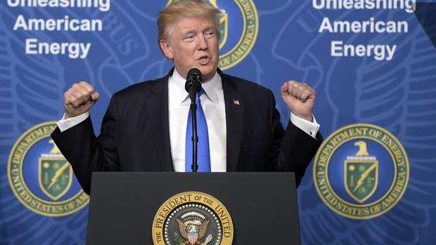 Trump, ayer, durante una ceremonia en el Departamento de Energía