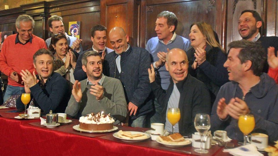 Larreta y Peña desayunando en el Tortoni