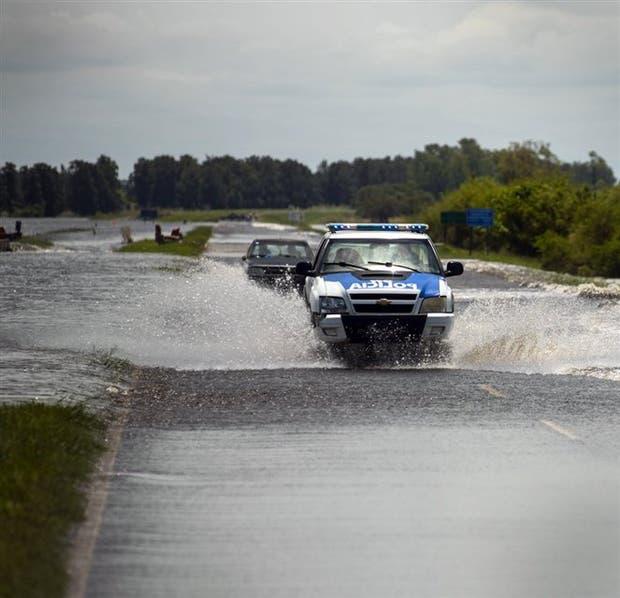 La autopista Rosario-Santa Fe quedó cortada a 100 km de Rosario