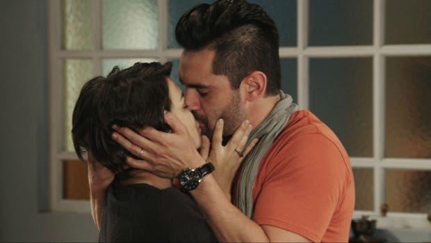 El beso de Agustina Cherry y Heredia, una escena que dio buen rating