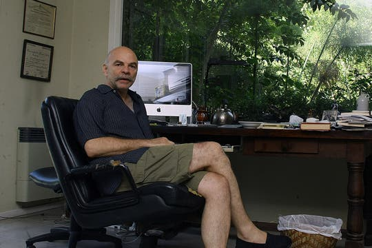 Martín Caparrós en una entrevista con lanacion.com. Foto: LA NACION / Sebastián Rodeiro