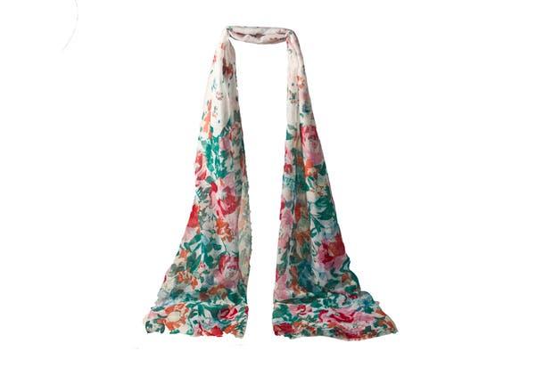 Largo, con flores (XL, $160).