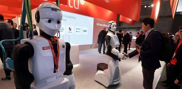 Los robots son los protagonistas de la feria; se estima que en 2040 habrá 10.000 millones de unidades en el mundo