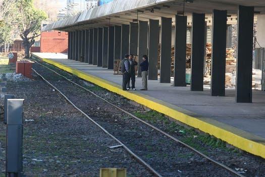 Todas las líneas de trenes están de paro desde el mediodía. Foto: LA NACION / Ricardo Pristupluk