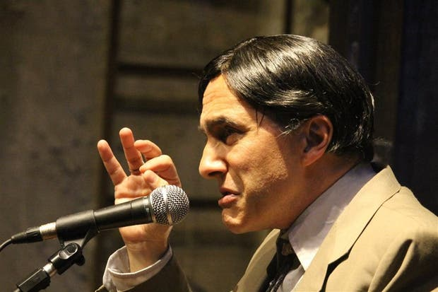Longhi como Mario Cárdenas