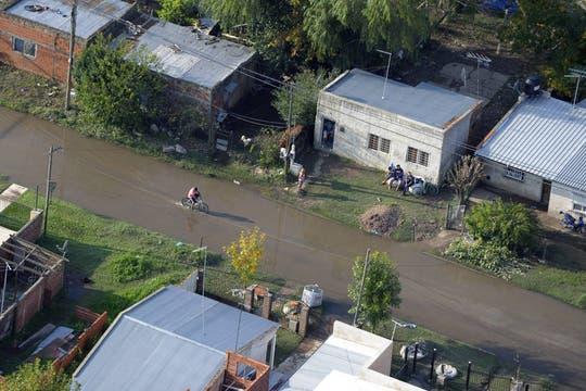 Cayeron 181 milímetros de agua, una cifra récord, que inundaron zonas densamente pobladas de la ciudad; la peor catástrofe de La Plata. Foto: AFP