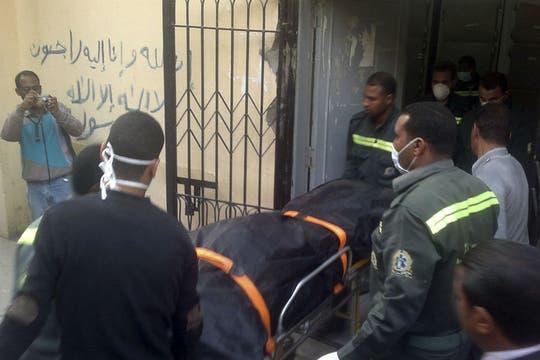 Un globo aerostático se precipitó a tierra desde unos 300 metros, matando a 18 turistas en la ciudad de Luxor, Egipto. Foto: Reuters
